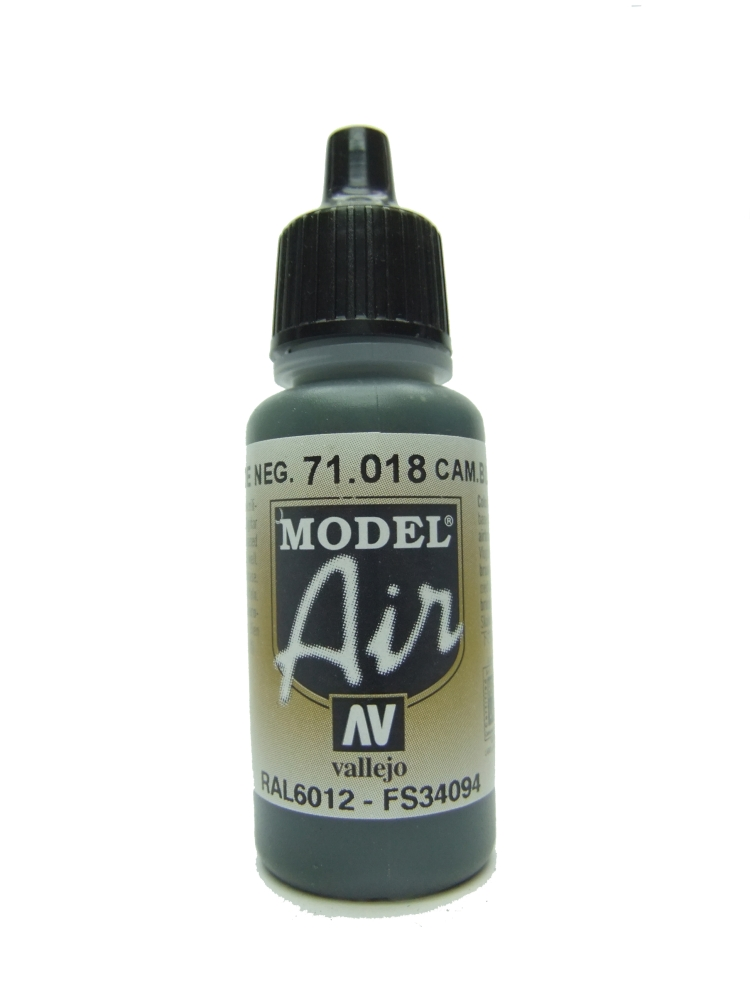 Model Air - Camouflage Black Green