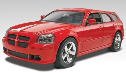 Revell Monogram 1:25 - Dodge Magnum SRT8