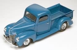 Revell Monogram 1:24 - 40 Ford Custom Pickup Truck